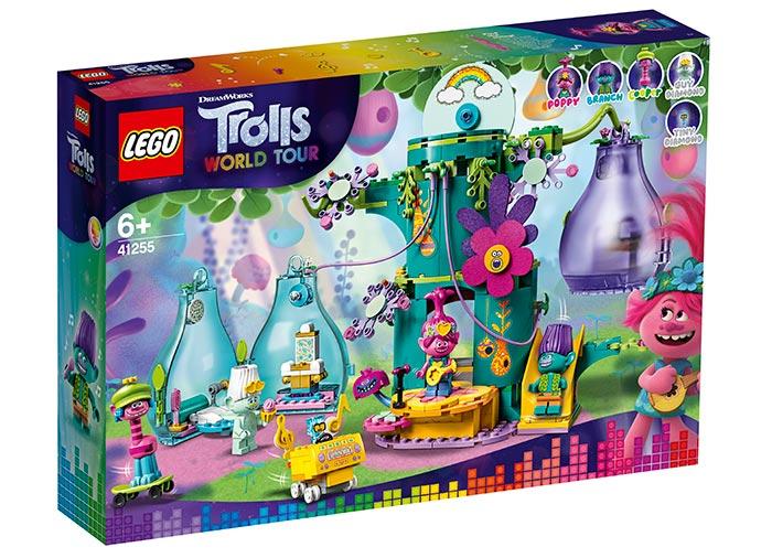 Sarbatoarea populara din sat lego trolls