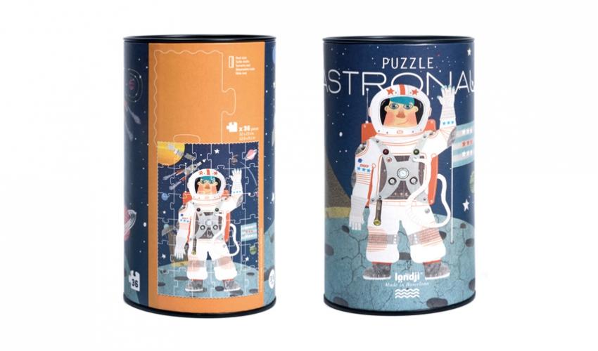 Puzzle astronaut in spatiu londji