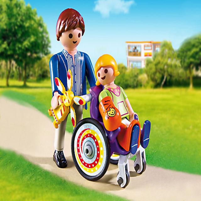 Copil in carucior cu rotile playmobil city life - 1