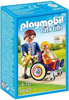 Copil in carucior cu rotile playmobil city life