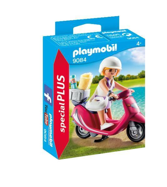 Fata cu scooter playmobil