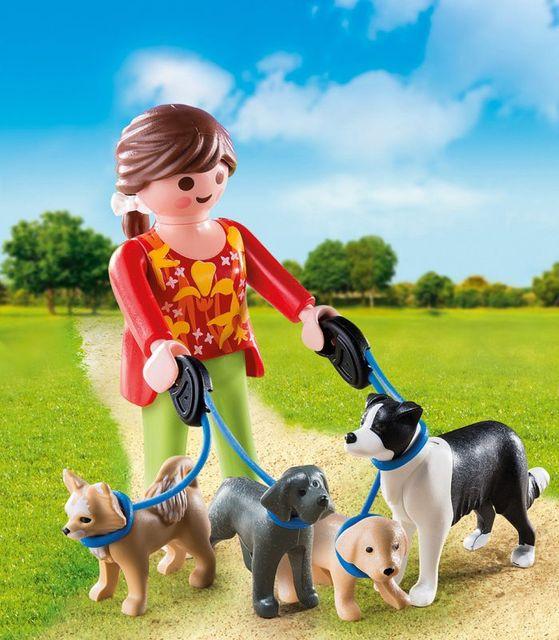 Femeia cu catelusi la plimbare playmobil - 1
